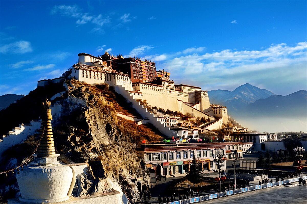 """Từ """"Check-in"""" ở Lhasa – """"Trái tim của Tây Tạng""""…"""