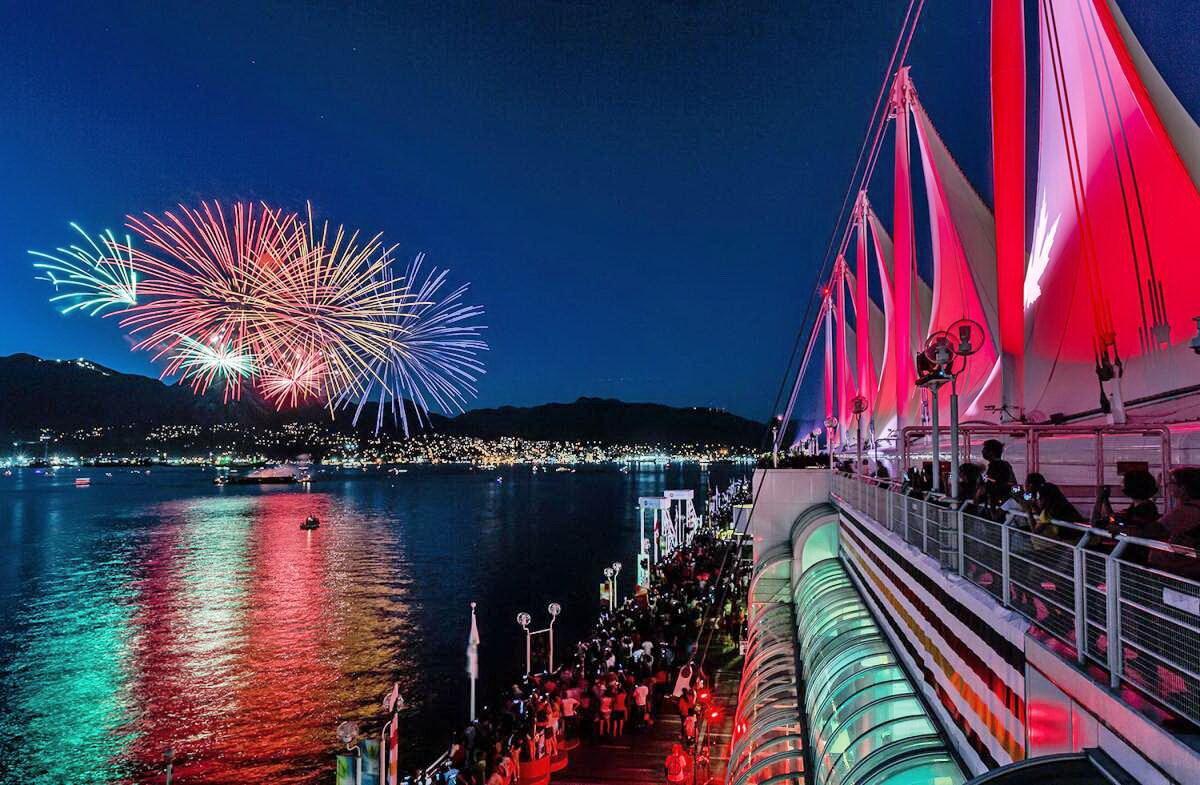 Cuộc thi pháo hoa lớn nhất thế giới tại Vancouver