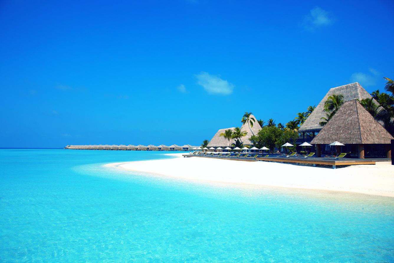 """""""Giải nhiệt"""" mùa hè tại Maldives với giá chỉ từ 35.990.000 đồng"""