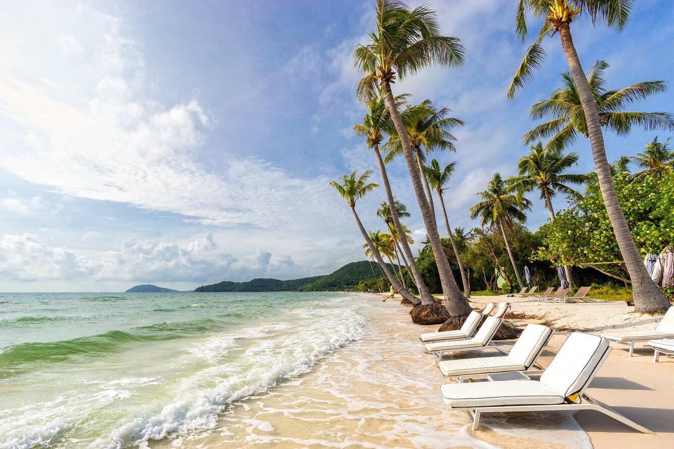 1. Thư giãn, nô đùa trên Bãi Sao