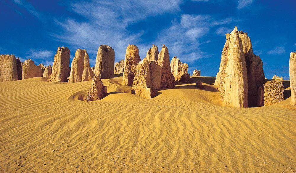 """Lạc vào """"hành tinh khác"""" ở sa mạc Pinnacles"""