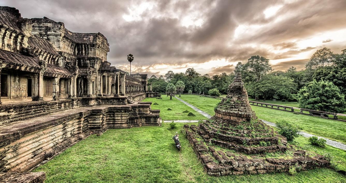 Chạm vào viên ngọc Angkor