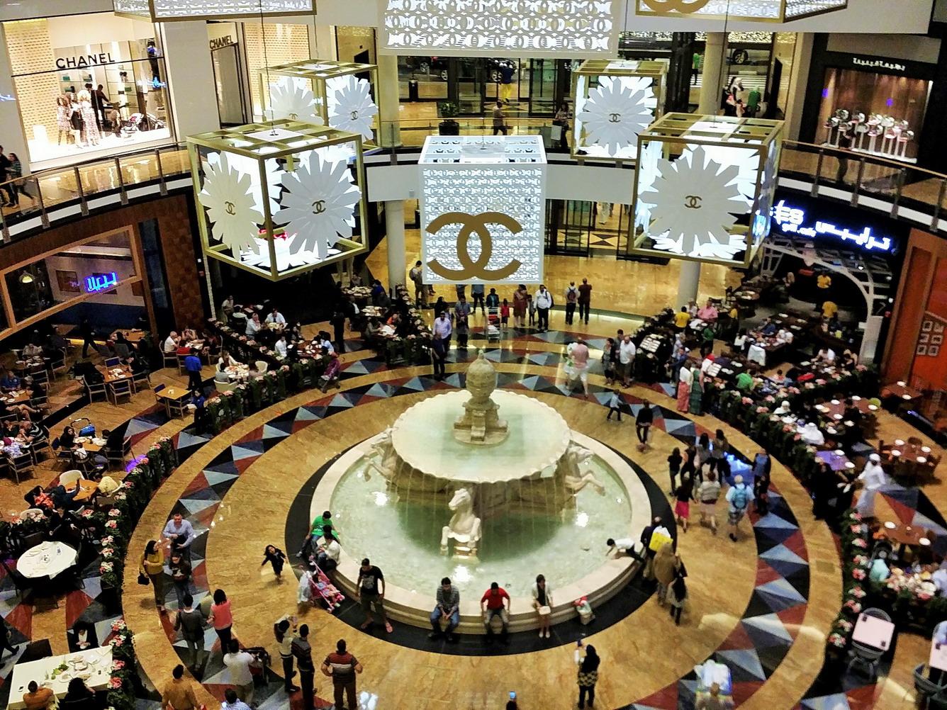 Ghé Dubai tưng bừng mua sắm
