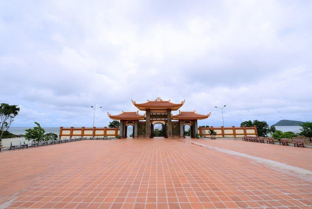 Phương Nam - đất Phật trời xuân