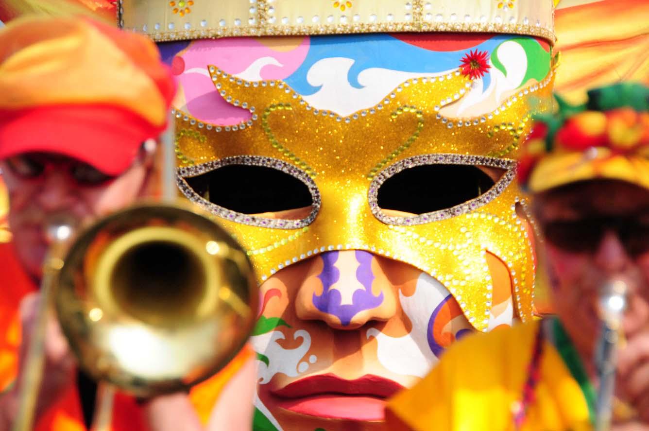 Vòng quanh thế giới mùa lễ hội Carnival