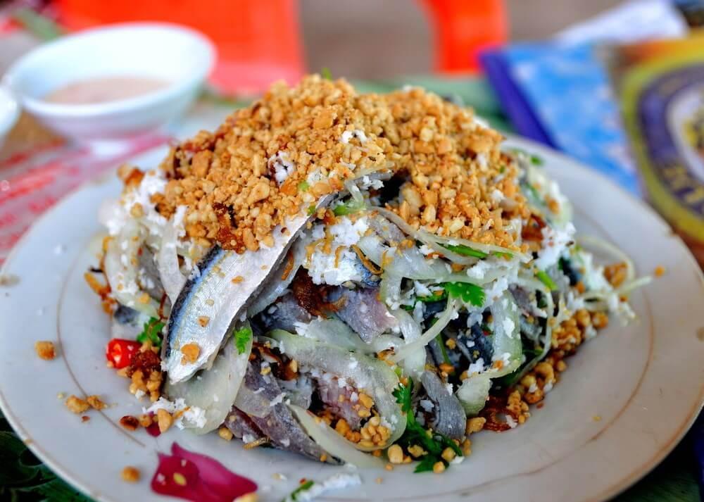 5. Thưởng thức ẩm thực ngon và lạ