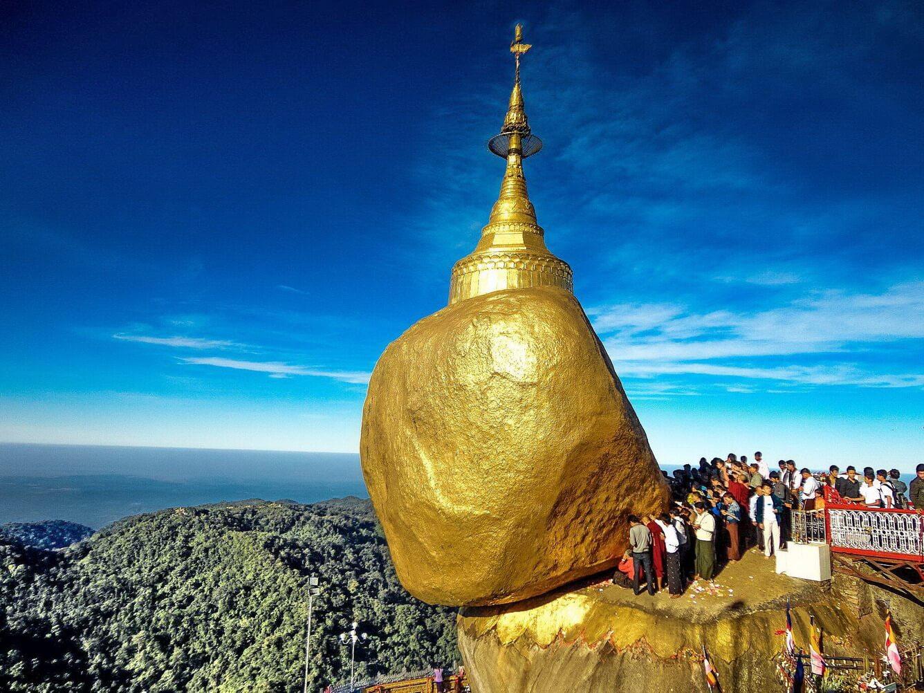 Về miền đất Phật ngày xuân