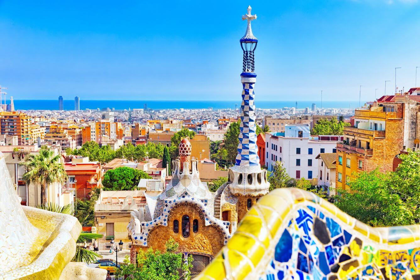 1. Barcelona và những sắc màu nghệ thuật (Tây Ban Nha)