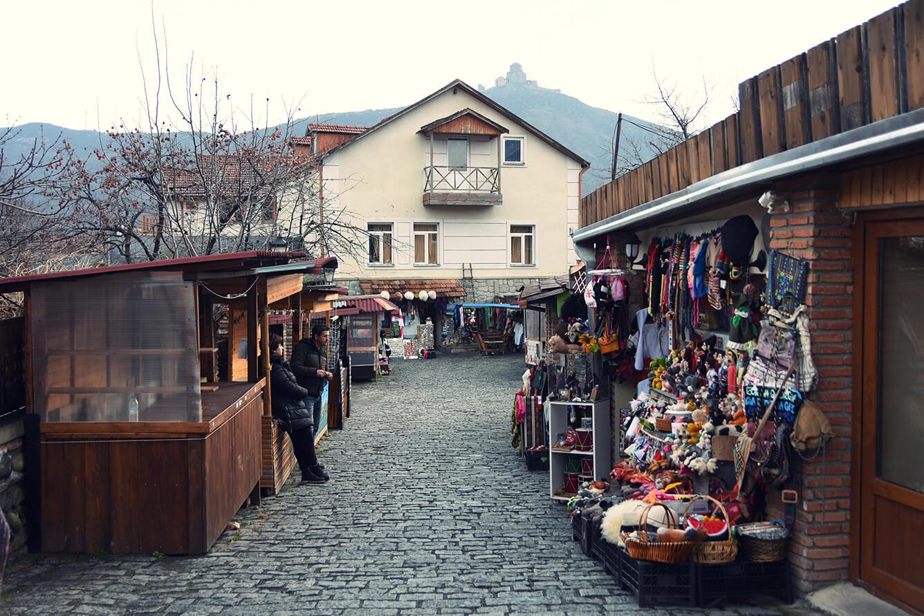 HUYỀN THOẠI VÙNG CAUCASUS: TỪ AZERBAIJAN ĐẾN GEORGIA