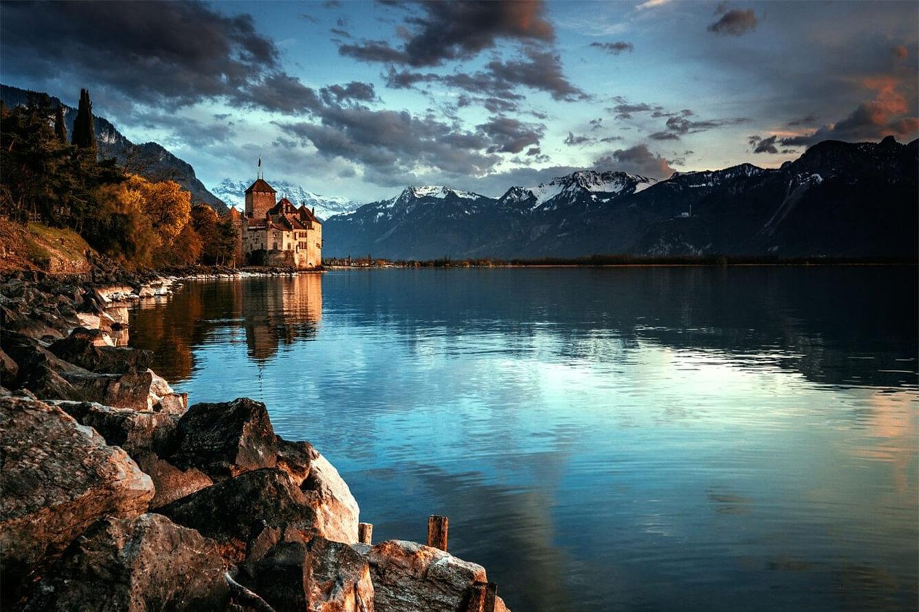 """Chillon - lâu đài của """"Nàng tiên cá"""""""