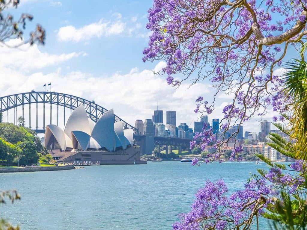Và, một nước Úc xinh đẹp, dịu dàng