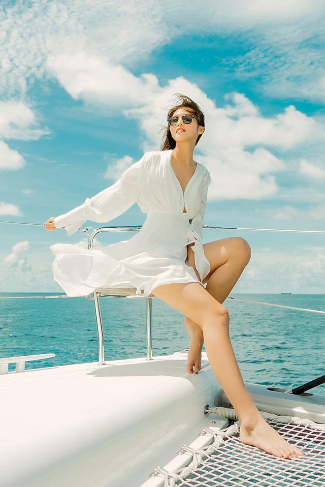 Du thuyền trên thiên đường biển cả