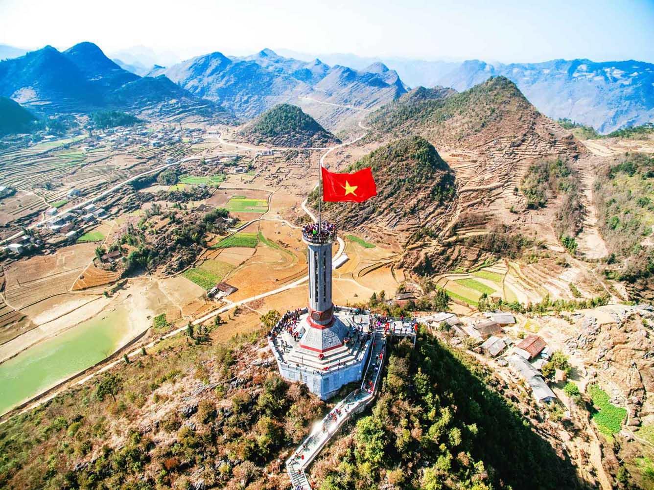 Cột cờ Lũng Cú – biểu tượng của Hà Giang