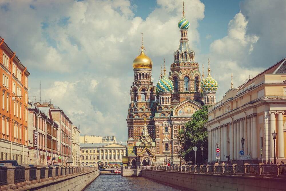 4. Thành phố nên thơ Saint Petersburg, Nga