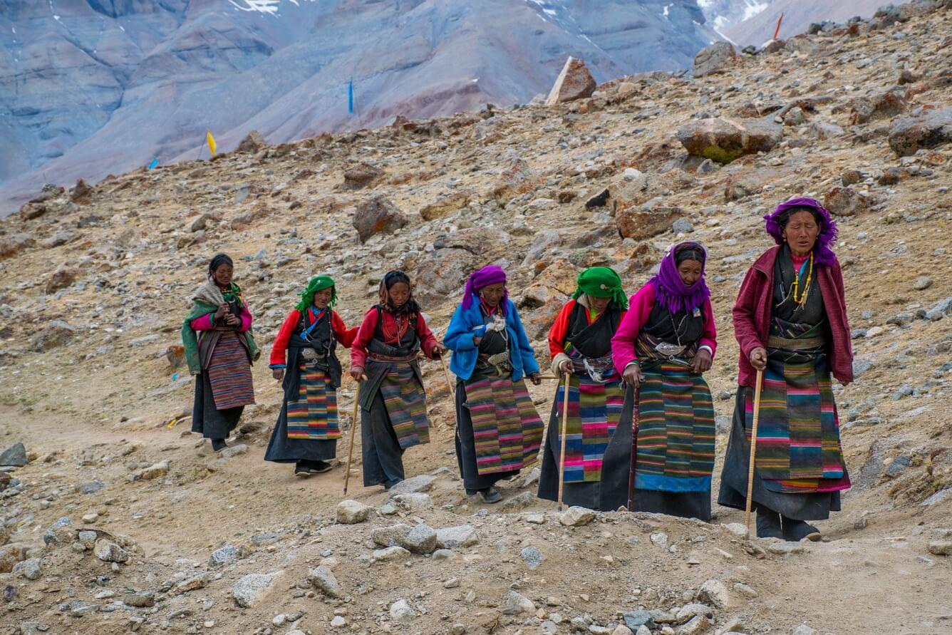 """""""Kora"""" quanh núi thiêng Kailash"""