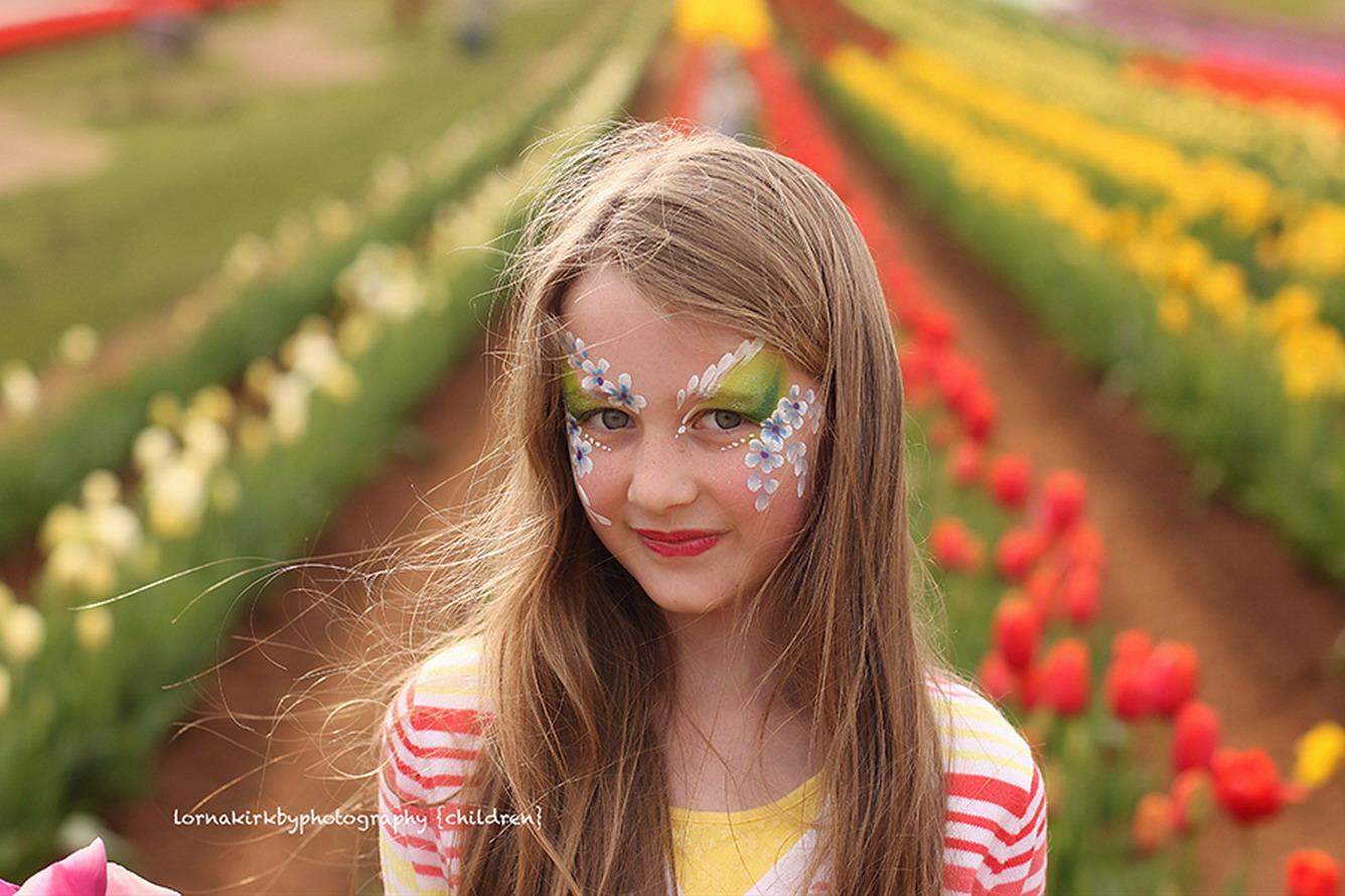 Thế giới chào đón hội hoa xuân