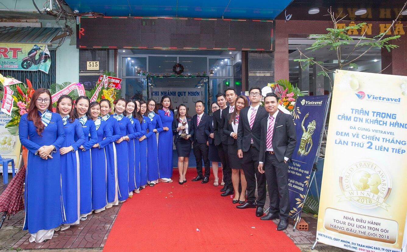 Hành trình xuyên Việt rước cúp 'World Travel Awards' lần II và trưng bày tại Vietravel Quy Nhơn