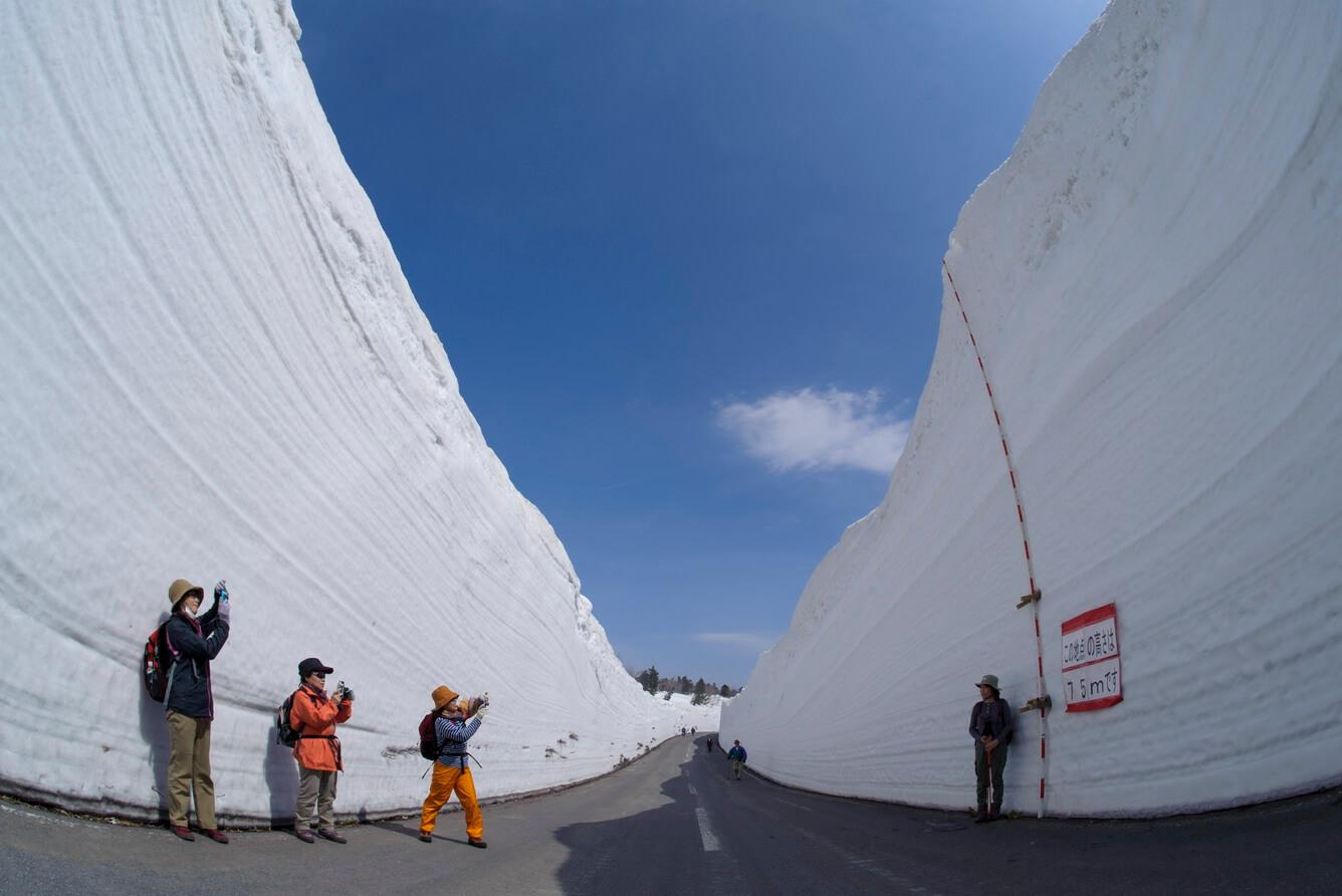 1. Hành lang tuyết Hakkoda (Tỉnh Aomori)