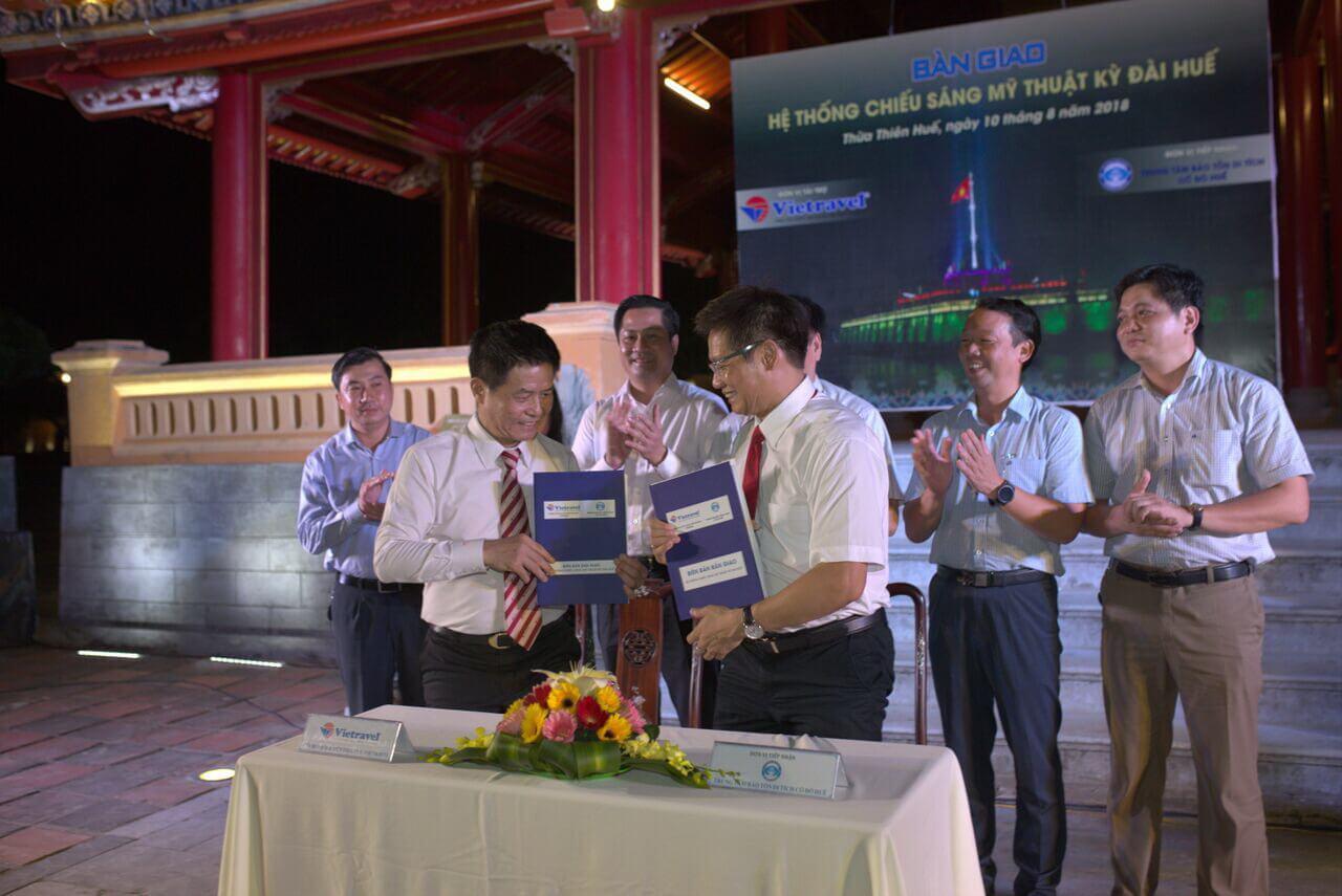 """Bàn giao Hệ thống Chiếu sáng mỹ thuật Kỳ Đài và tổ chức chương trình """"Check-in at Hue"""""""