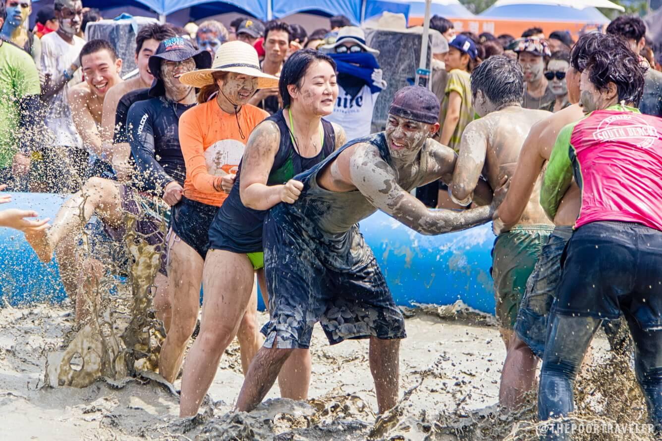 Cuồng nhiệt Lễ hội tắm bùn Boryeong