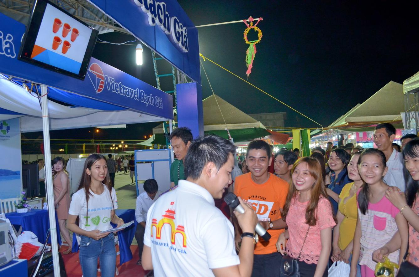 Công ty Du lịch Vietravel - Chi nhánh Rạch Giá tham gia Hội chợ thương mại vùng kinh tế trọng điểm khu vực ĐBSCL - Kiên Giang 2016