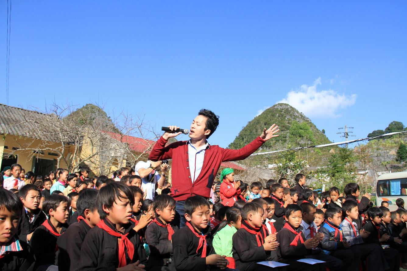 Vietravel Hà Nội tổ chức chương trình du lịch từ thiện thường niên năm 2015