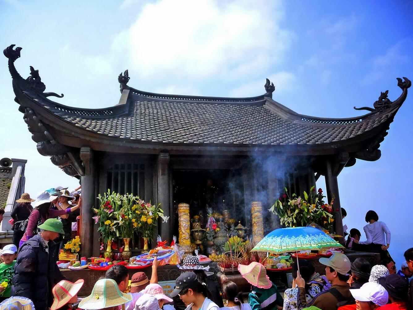 Hành hương lễ Phật Yên Tử