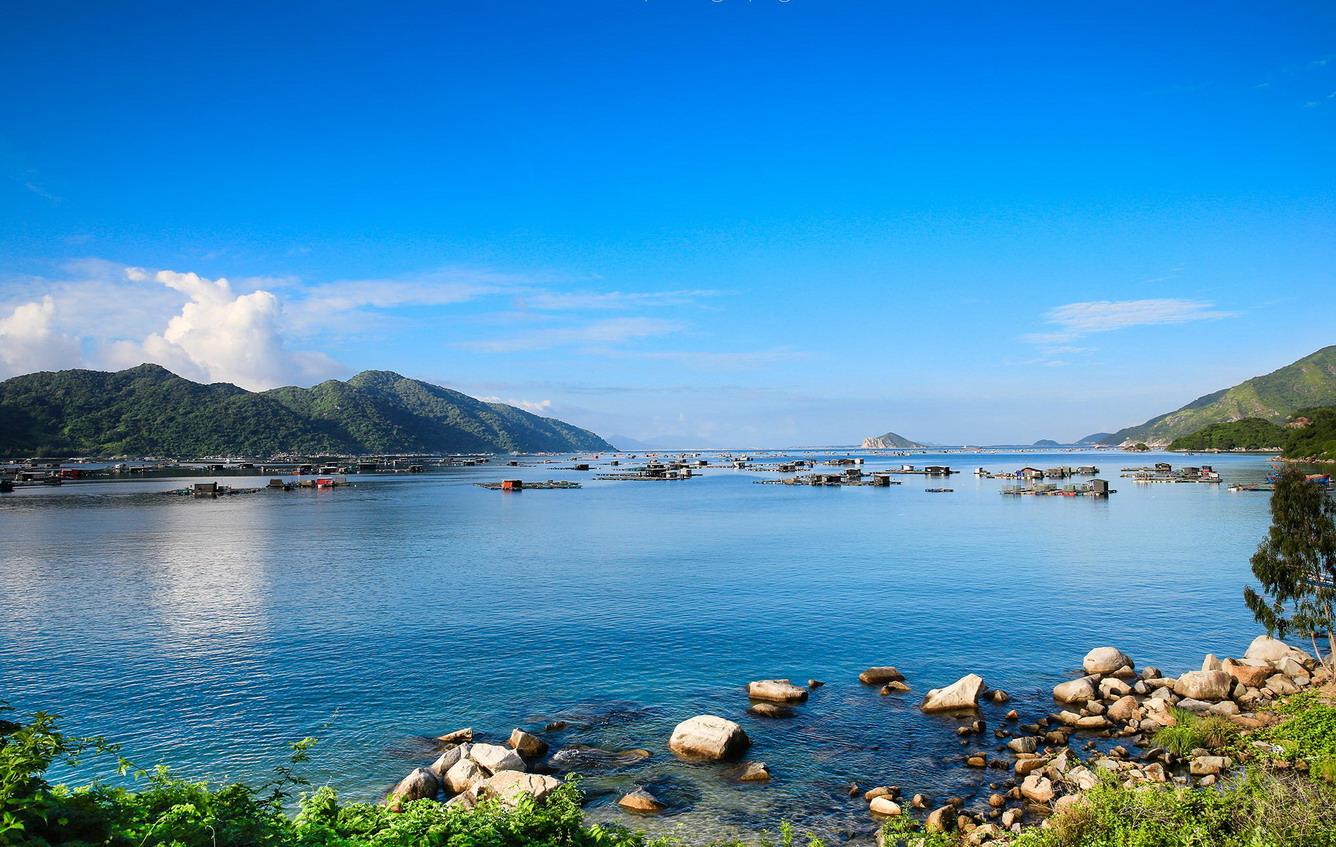 Những bãi biển đẹp, ấm áp và yên tĩnh
