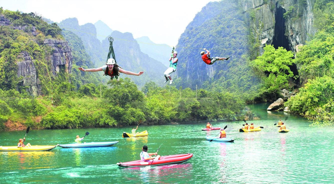 Thử thách cùng đường trượt Zip-line sông Chày