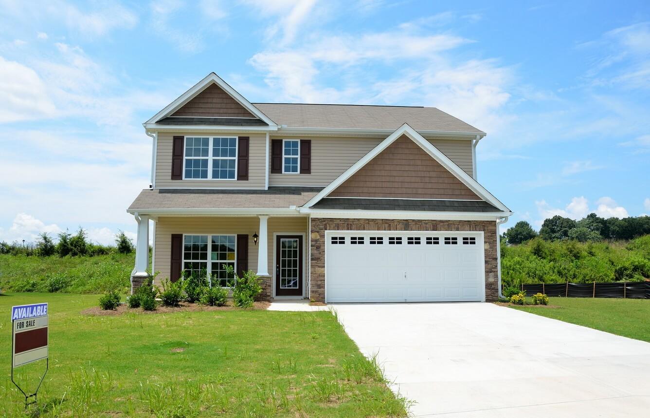 Con du học - cha mẹ đầu tư bất động sản