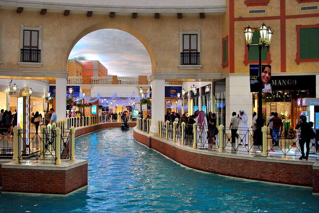 Tự do mua sắm tại Villagio Mall