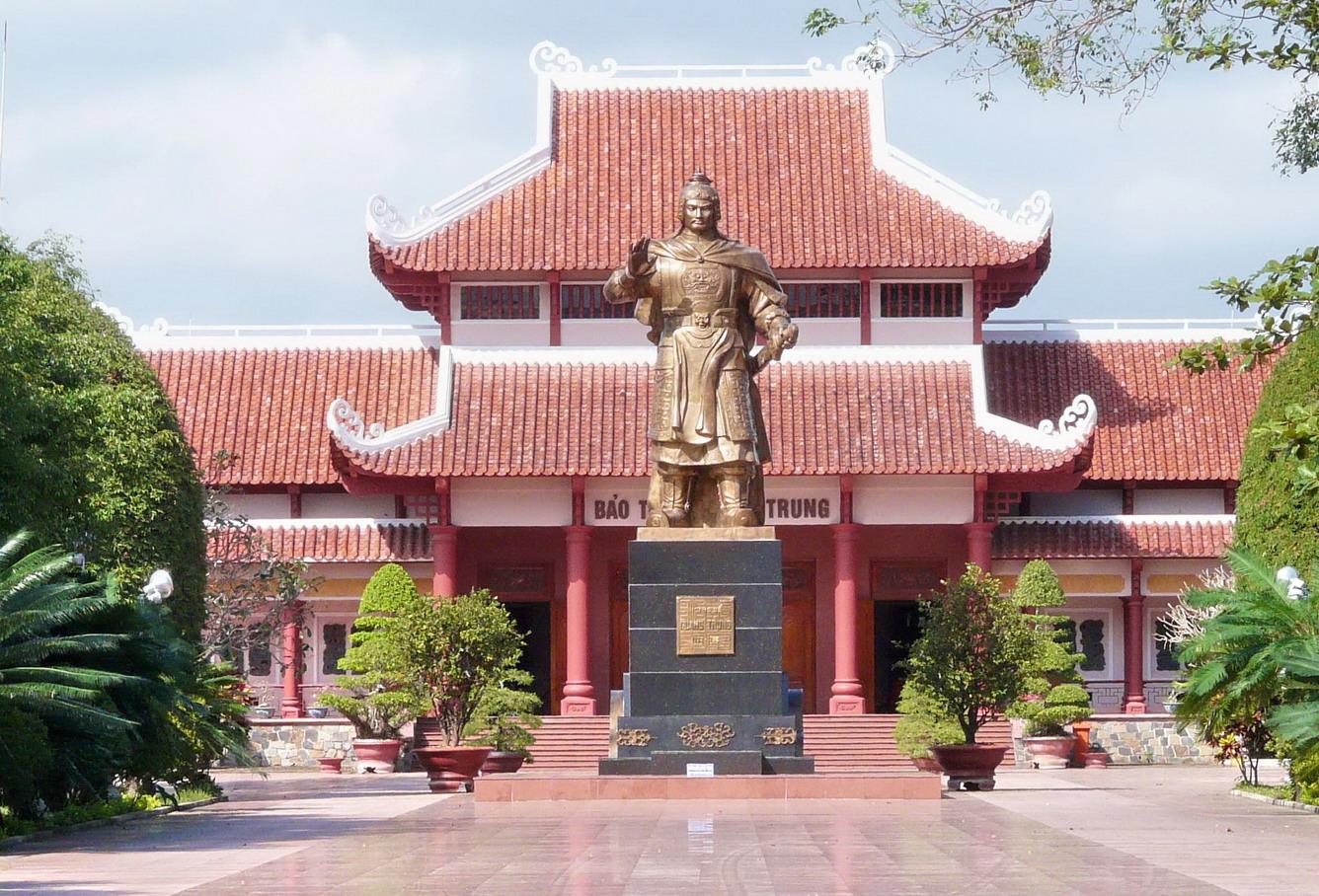 Theo dấu vua Nguyễn Huệ oai hùng