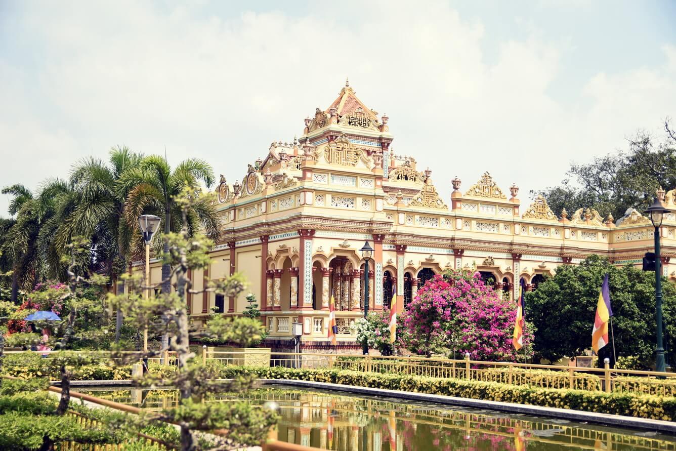 Long An - Tiền Giang: Hành hương lễ Phật, tìm về chánh niệm