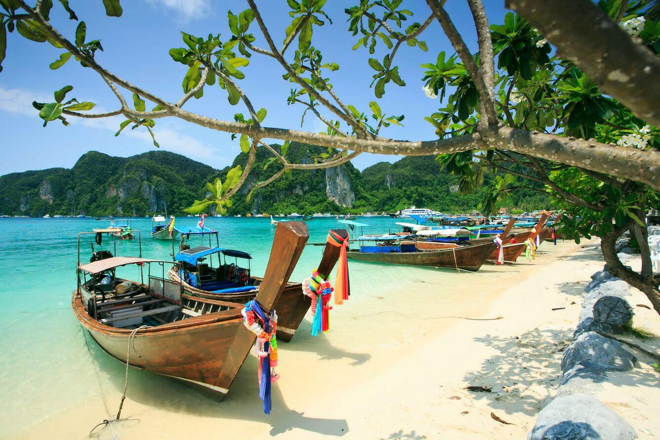 3. Phuket - Koh Phi Phi (Thái Lan)