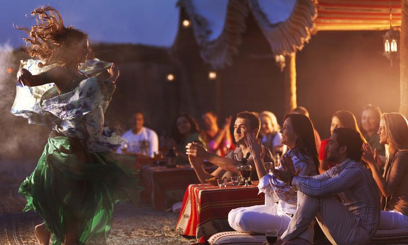 Dubai: Ăn tối ở sa mạc