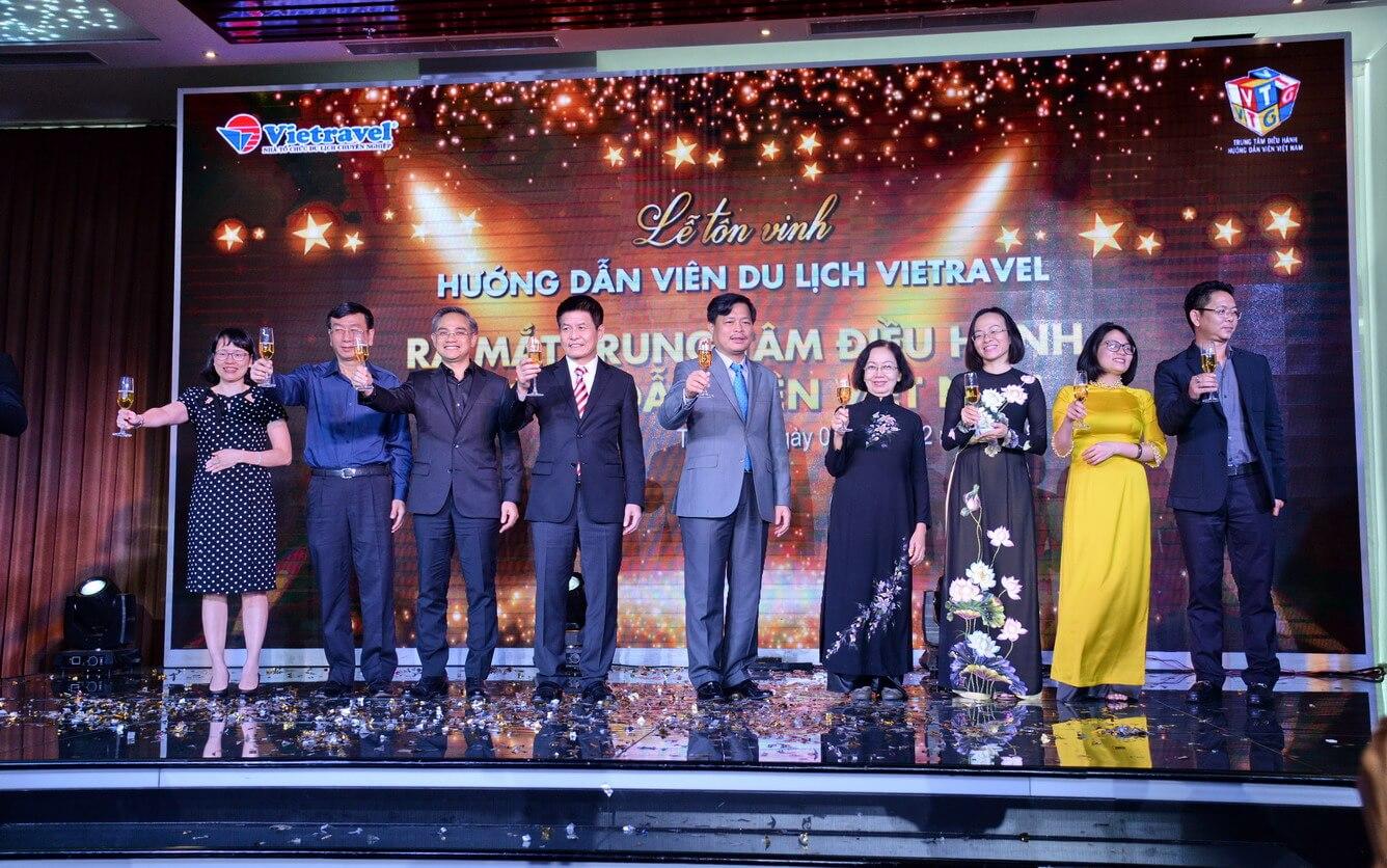 Tỏa sáng Lễ tôn vinh Hướng dẫn viên tốt nhất năm 2017