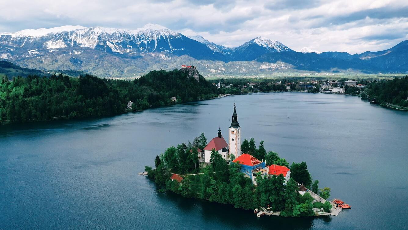Khám phá những viên ngọc vùng Đông Âu