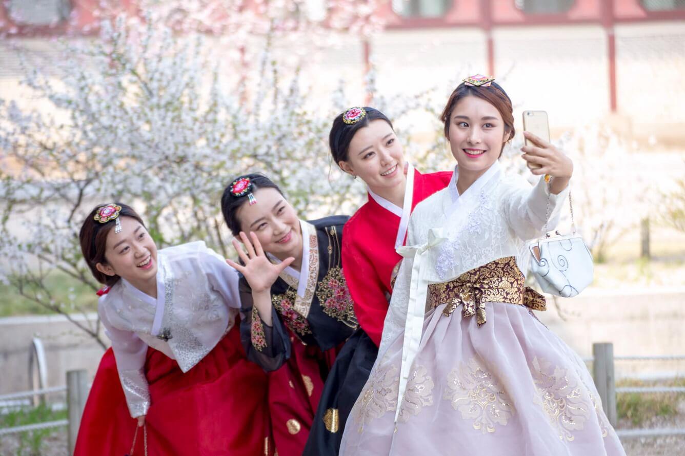 Hàn Quốc - Trải nghiệm làm kim chi và mặc Hanbok