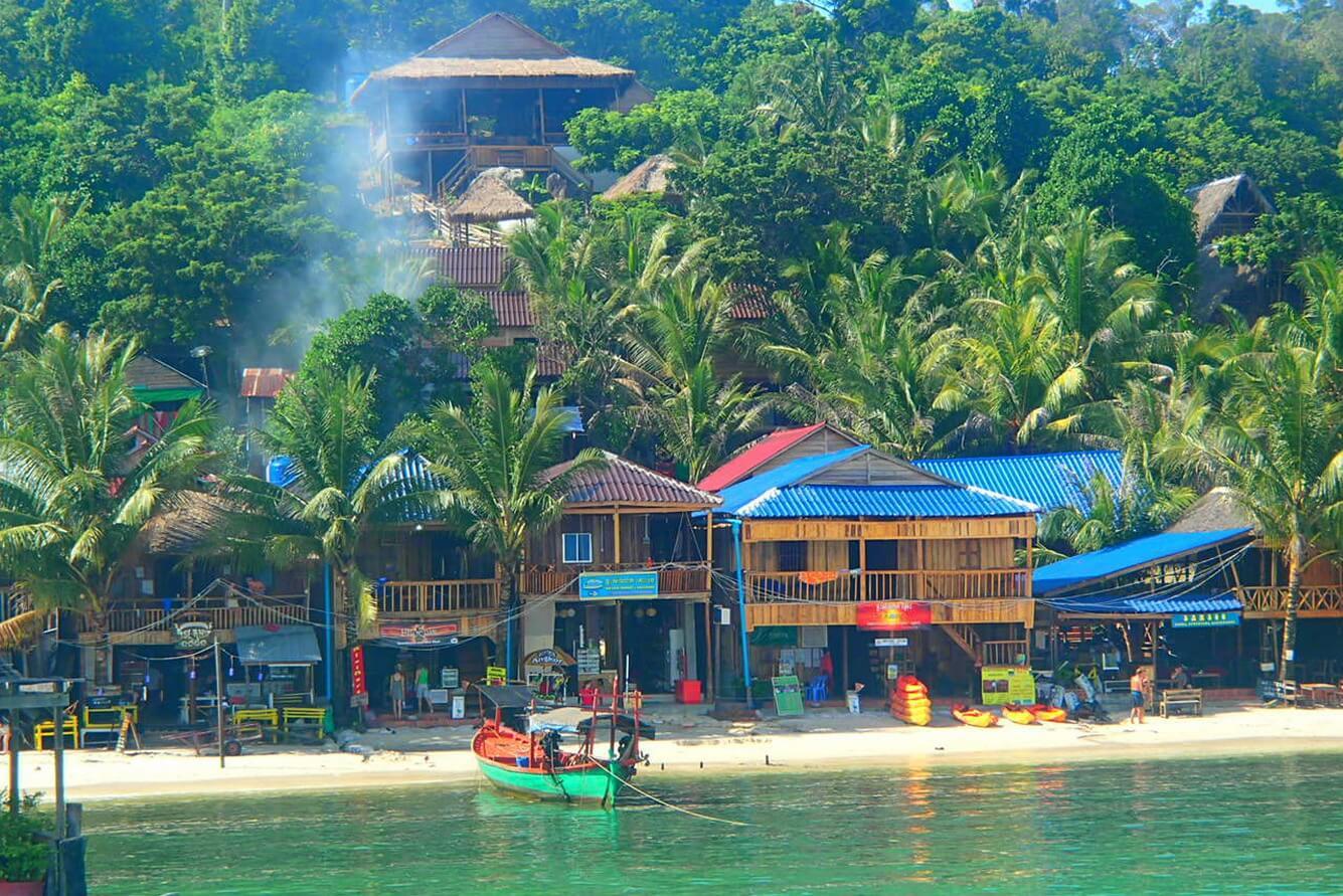 4. Koh Rong - Samloem (Campuchia)