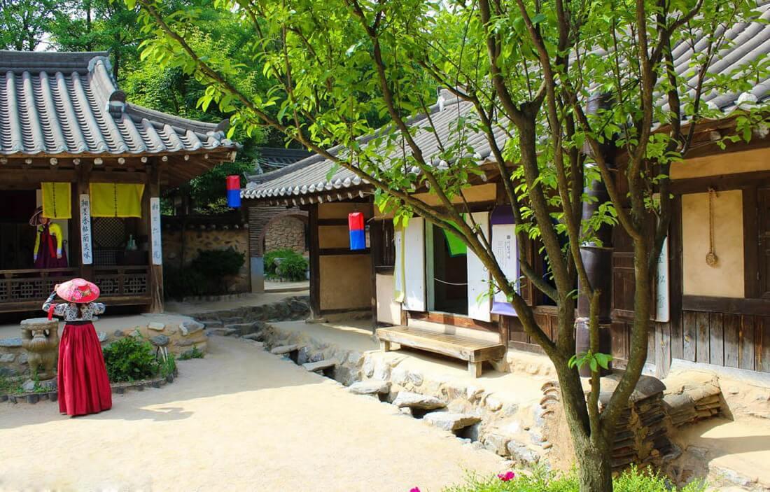 Hóa thân vào nhân vật lịch sử trong các bộ phim cổ trang tại làng dân tộc Yongin