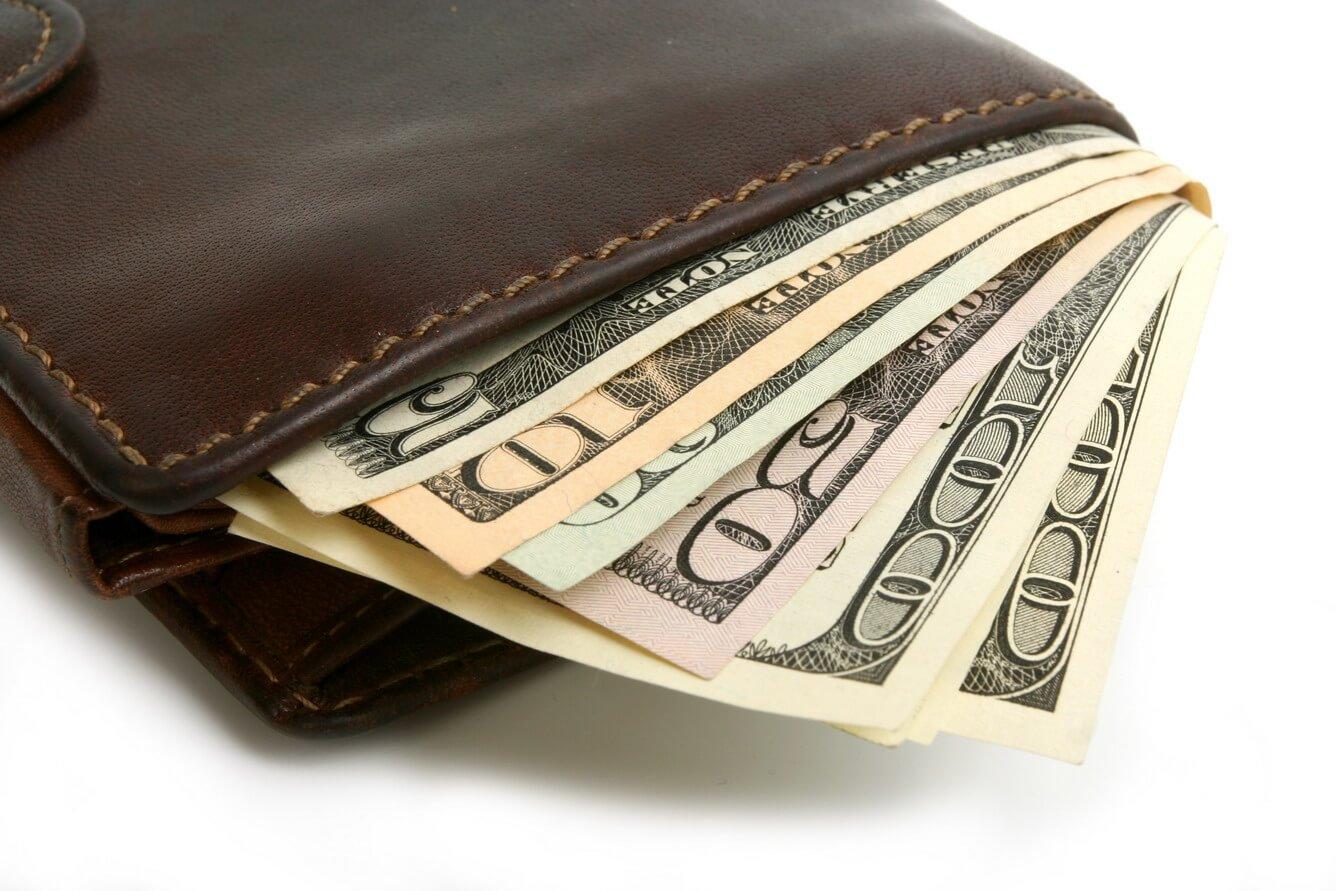 Mang ít tiền mặt khi đi du lịch Tết