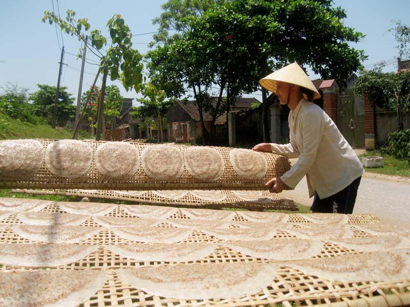 4.    Bánh đa làng Minh Châu