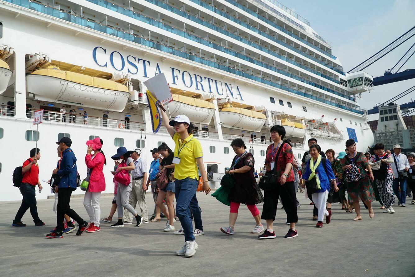 Vietravel đón 3.000 khách tàu biển quốc tế tham quan TP.HCM