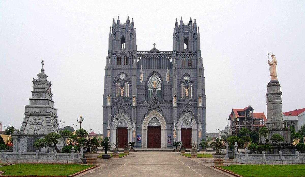 Basilica of Immaculate Conception, Phu Nhai