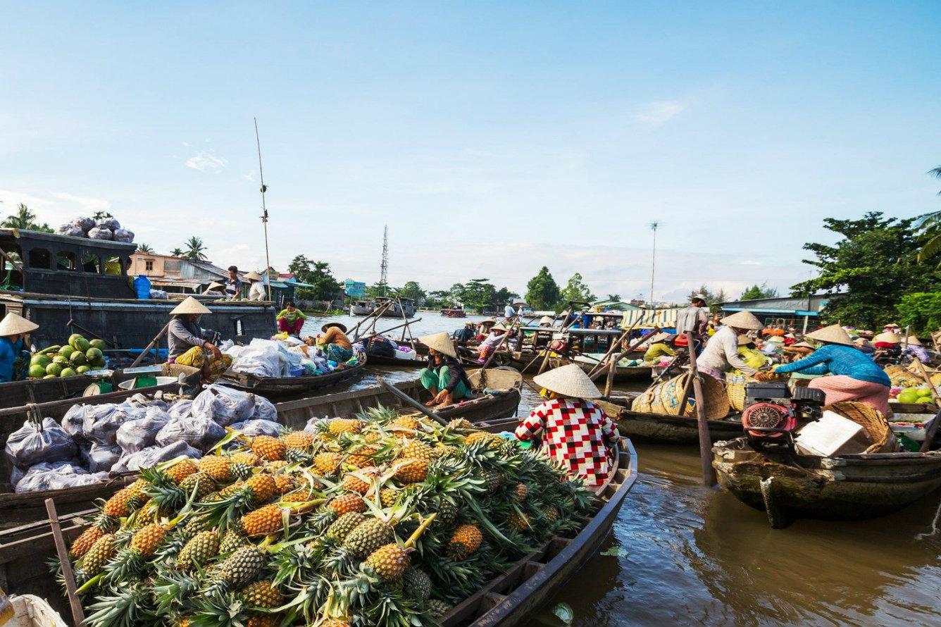Bồng bềnh chợ nổi mùa xuân