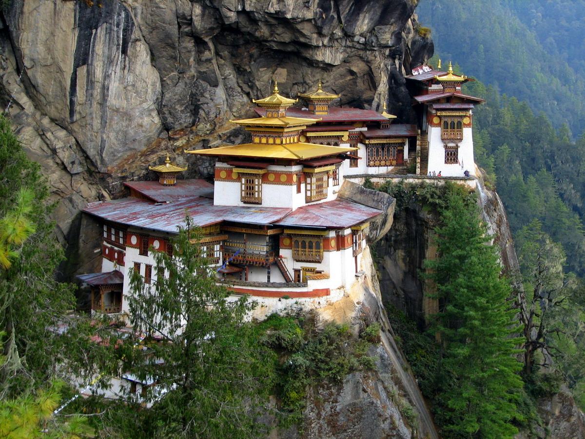 … đến vẻ đẹp bí ẩn bên triền núi Himalaya