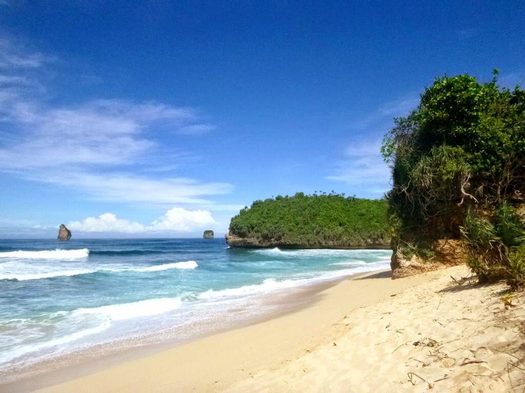 3. Goa Cina Beach