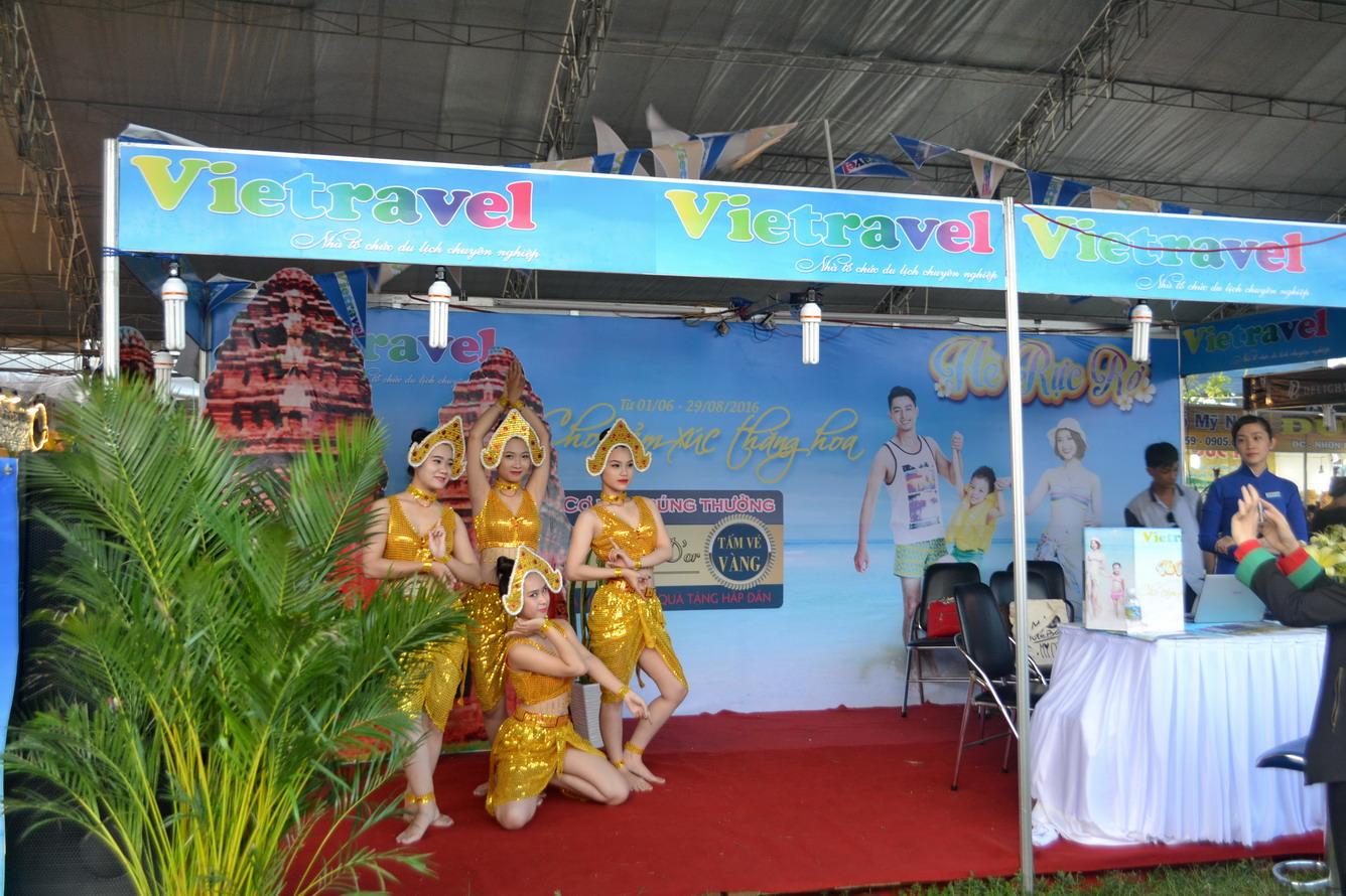 Vietravel tham gia xúc tiến du lịch tại Hội chợ Công thương khu vực Nam Trung Bộ - Bình Định 2016