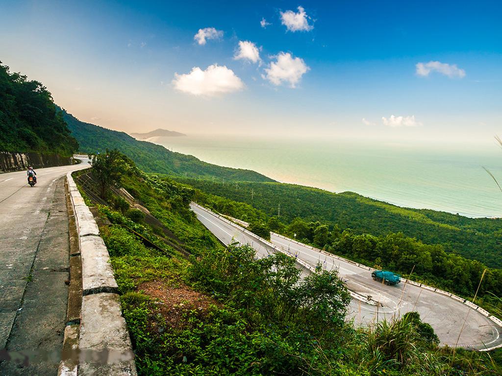 Hai Van Pass Motorcycle Tours