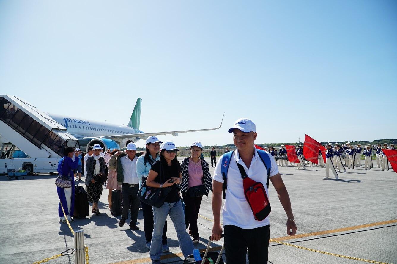 Ra đời hãng bay charter